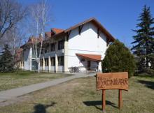 Gémes Eszter Községi Könyvtár