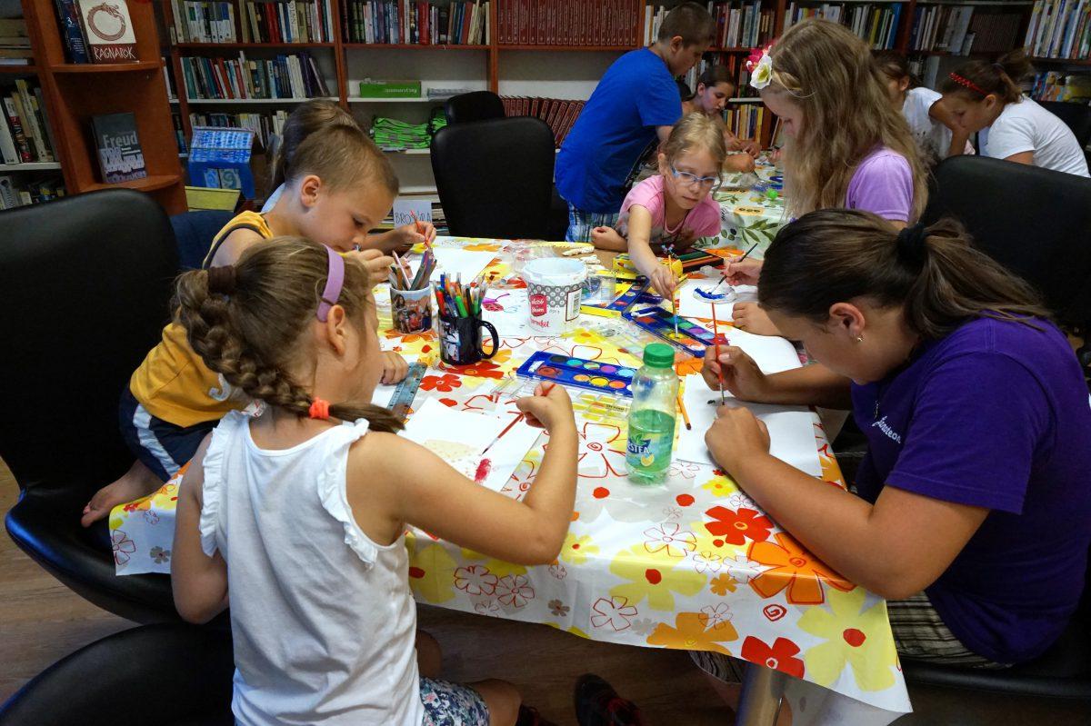 Bogyó és Babóca nyári tábor a könyvtárban