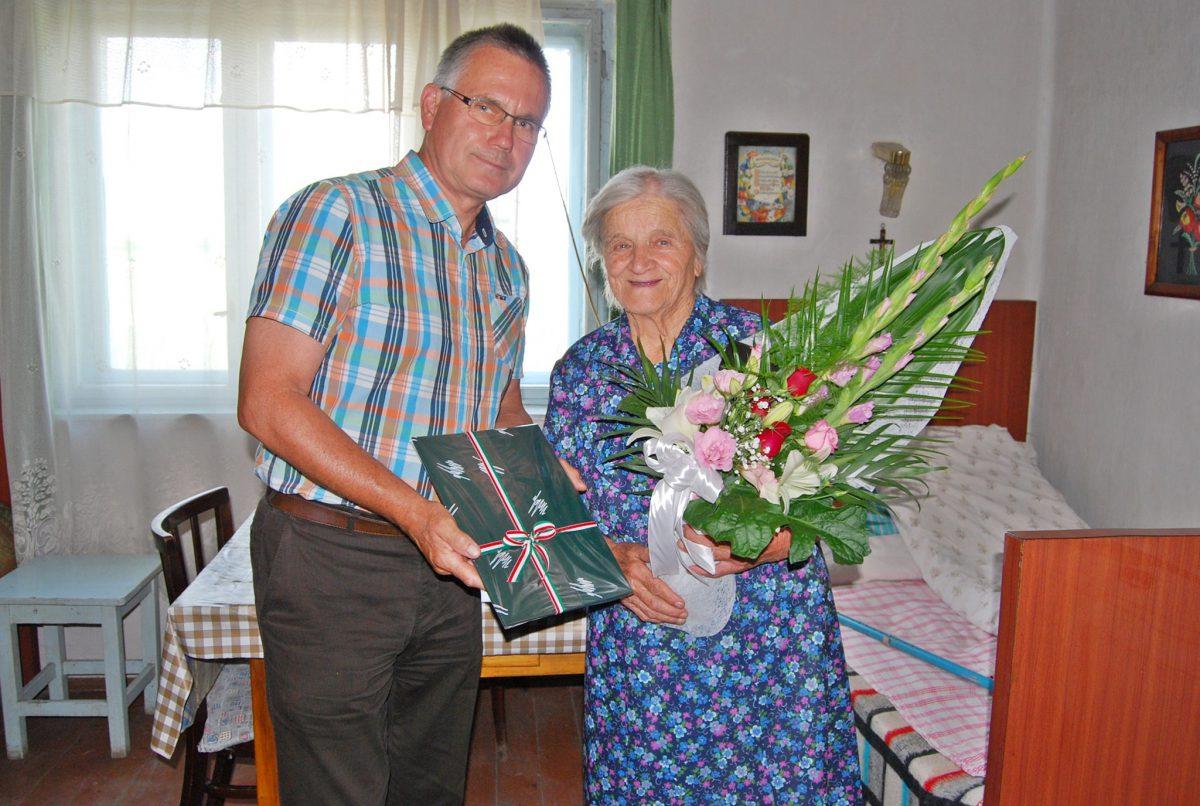 90 éves Dobó Jánosné