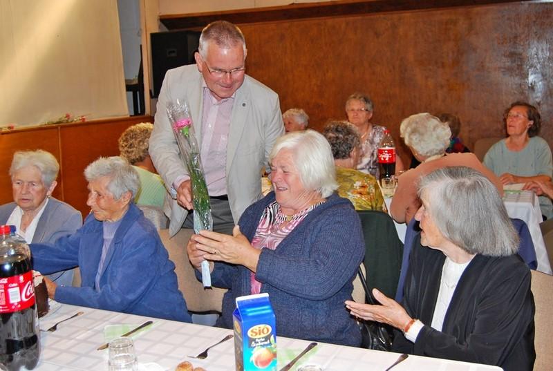 Mindenki névnapja a nyugdíjas klub tagjainak és a nappali ellátásában részesülő időseknek