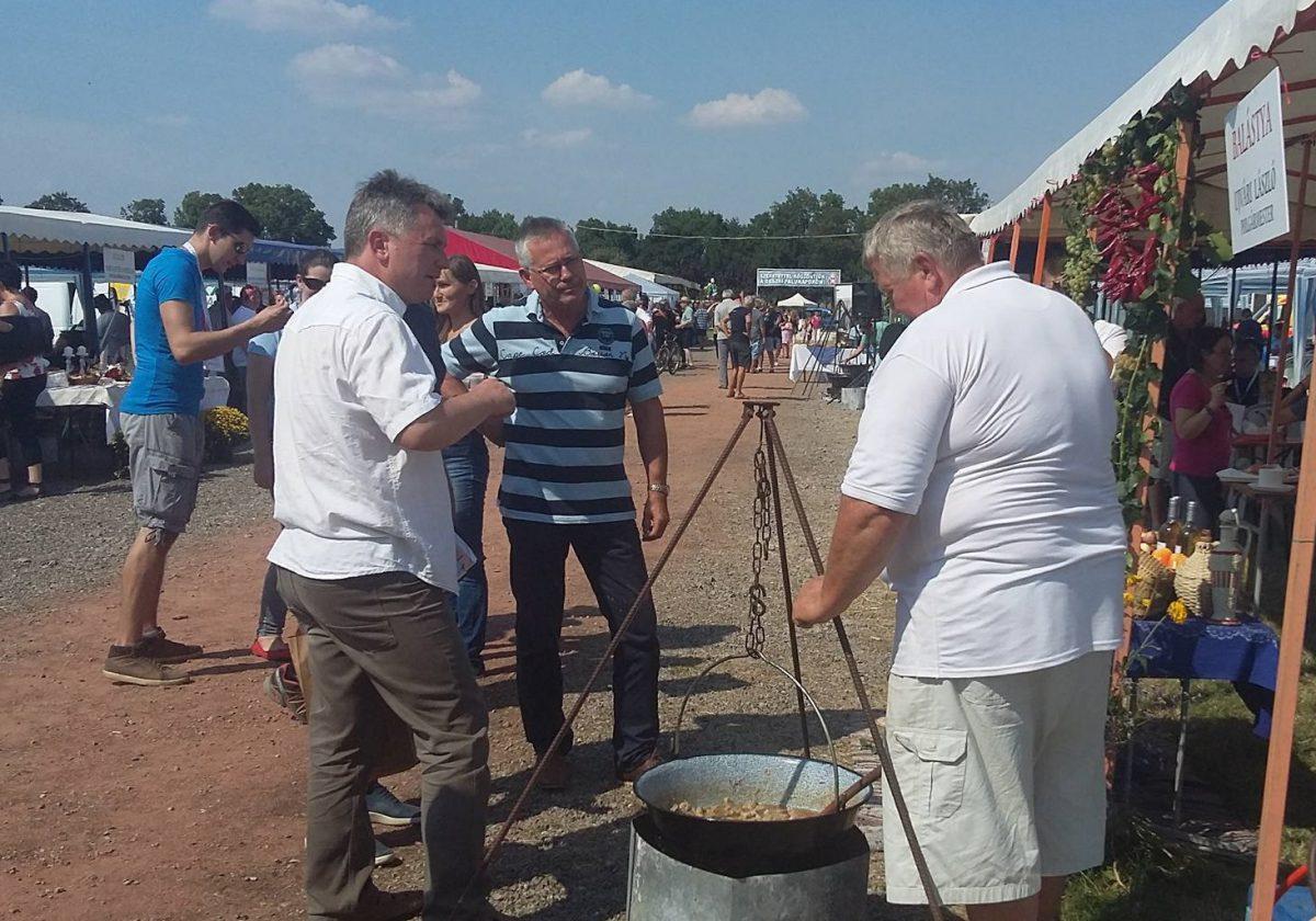 XXII. Deszki Falunapok és XVII. Polgármesterek Nemzetközi Főzőversenyén Balástya is részt vett