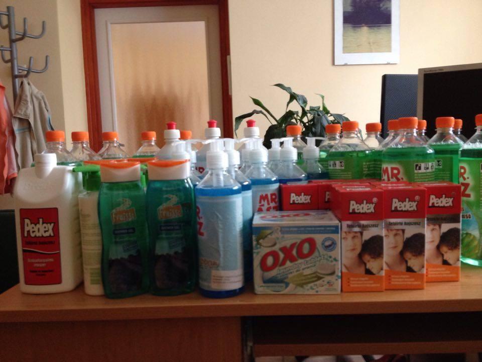 Több száz terméket kapott adományként a Kisteleki Járás Család- és Gyermekjóléti Szolgálata
