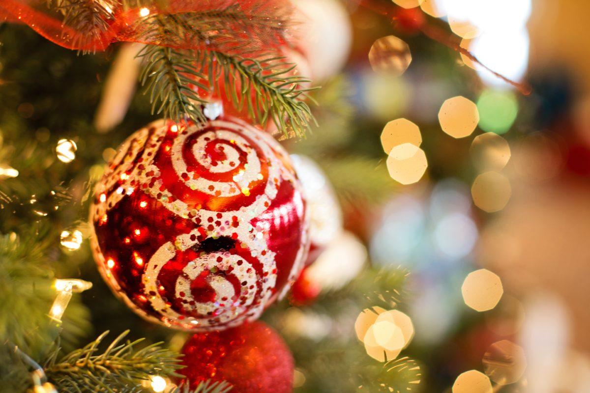 Boldog, békés karácsonyi ünnepeket kíván a Balástya Községi Önkormányzat nevében