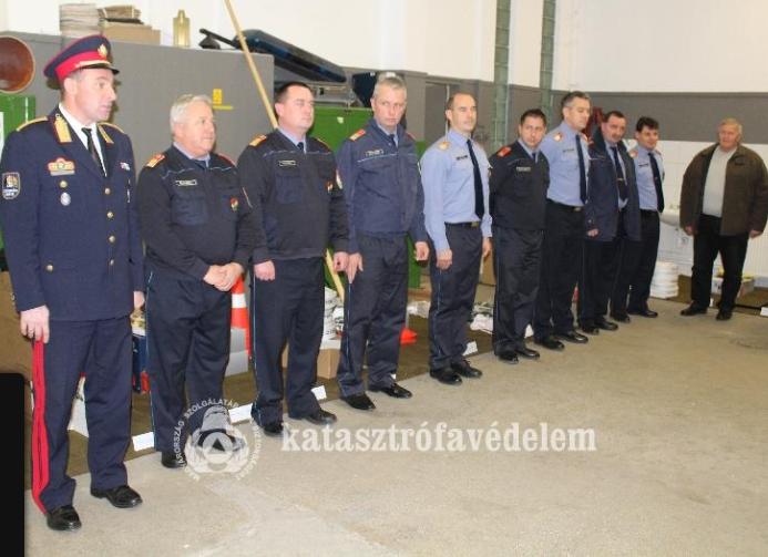A Csongrád megyei önkéntes tűzoltó egyesületek szakfelszereléseket kaptak