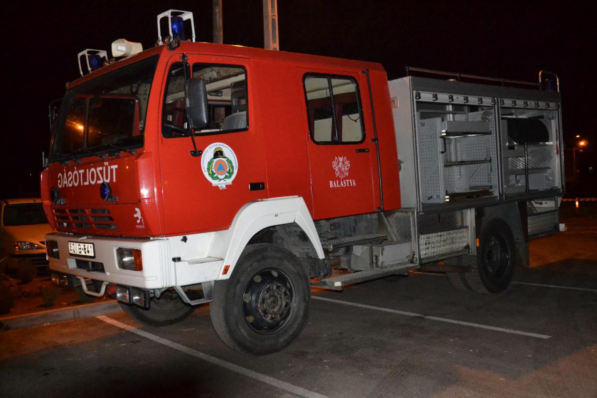 Másik tűzoltóautót kapott az önkéntes tűzoltó egyesület