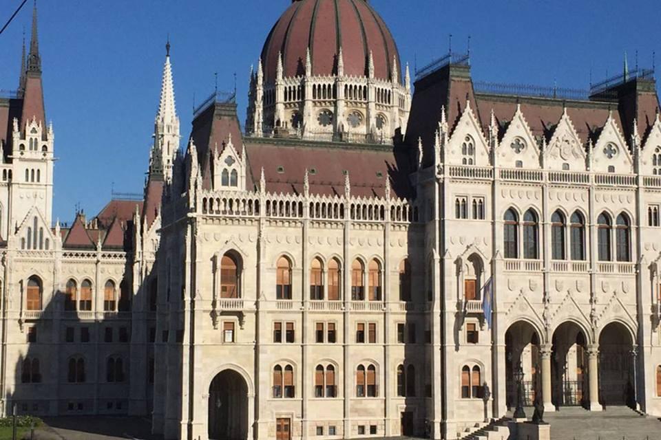 Meghívta a parlamentbe térségünk polgármestereit Farkas Sándor országgyűlési képviselő