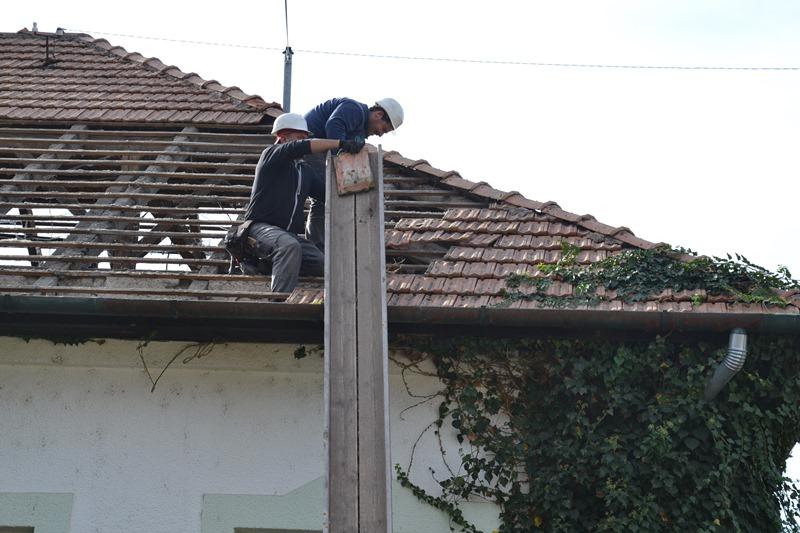 Megkezdődött a polgármesteri hivatal tetőfelújítása
