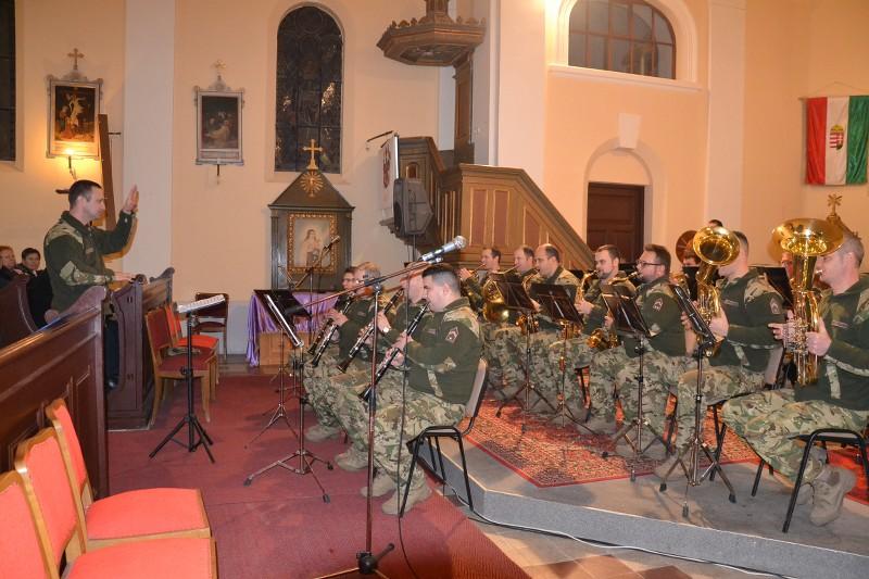 A vásárhelyi katonazenekar koncertezett a balástyai Falukarácsonyon