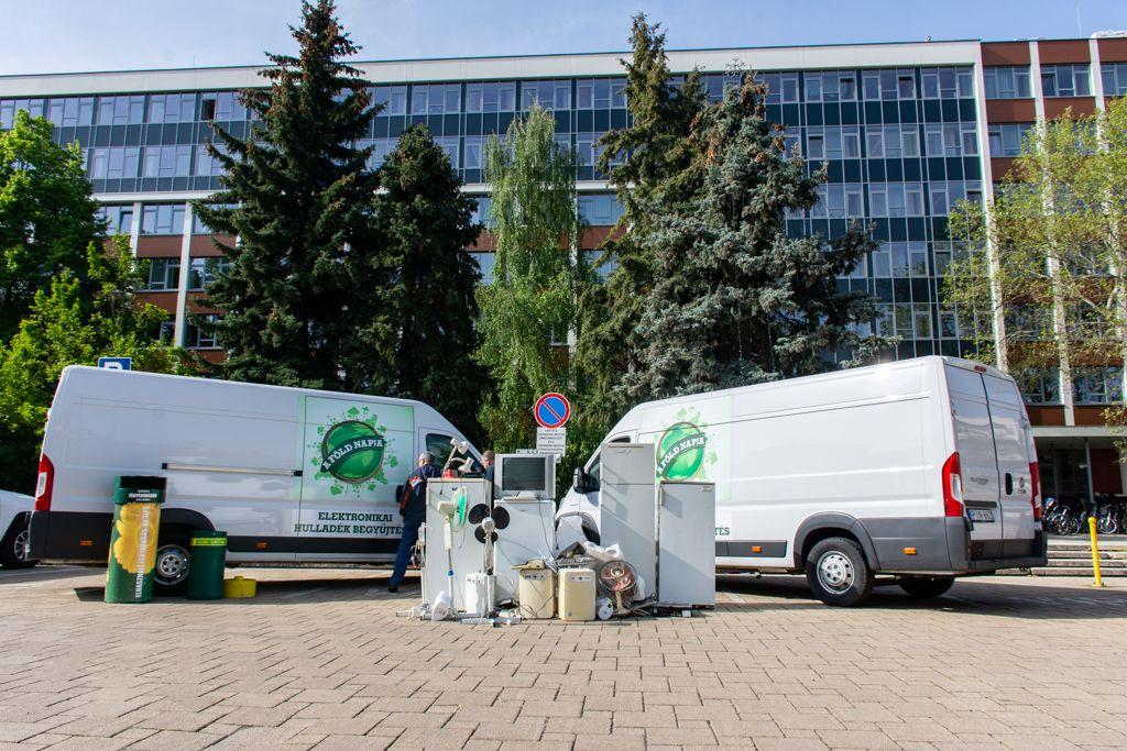 Lakossági elektronikai hulladékgyűjtés Szegeden, a Rákóczi téren, szombaton!