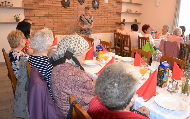 Mindenki névnapját ünnepelték a nyugdíjasok