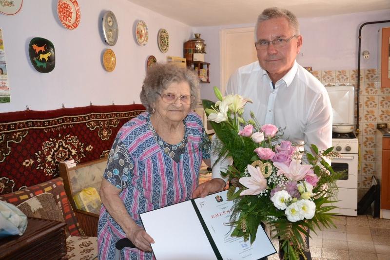 Sipos Ferencné 90 éves