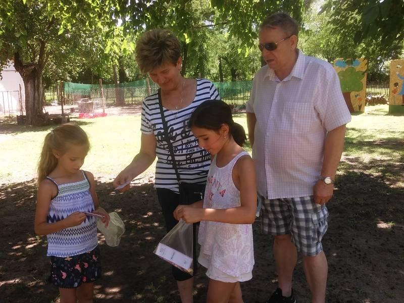 Budaörsi gyerekek az Állatsimogatóban