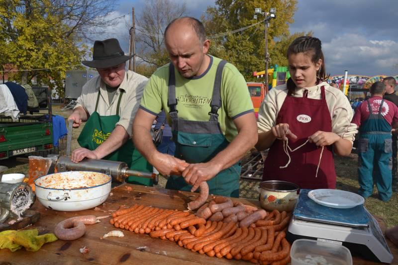 Hatalmas népünnepély volt az idei balástyai Böllérfesztivál