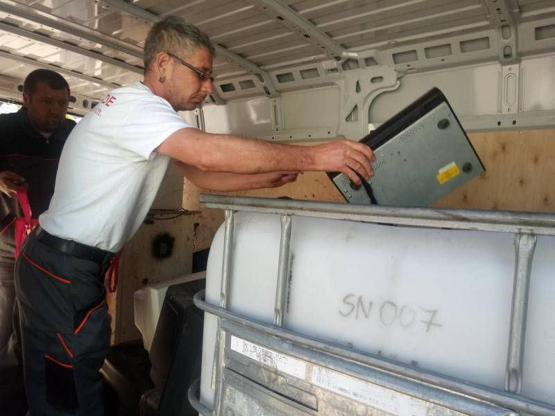 Használt tévéktől a régi elemekig – így kell megválni biztonságosan az e-hulladéktól
